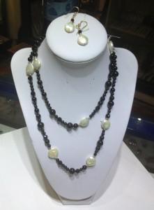 Collar Obsidiana ,goldfilled  Perlas de Rio barrocas